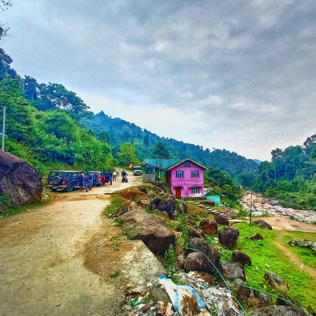 The view of rocky island from the bridge, Resorts near Murti river